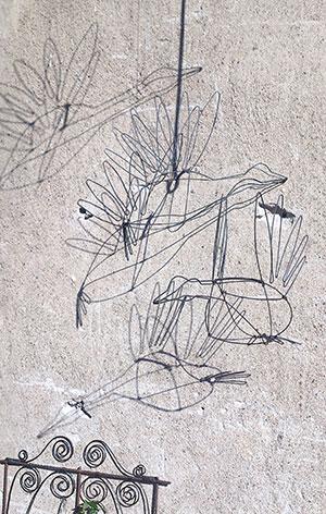 Fåglar av järntråd